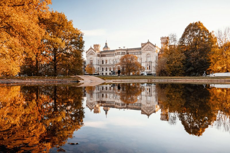 Leibnizuniversität im Herbst