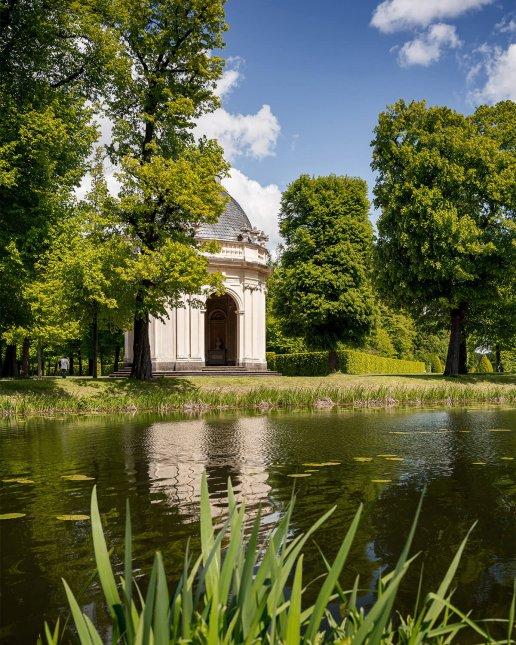 Remy-de-la Fosse Tempel an den Graften in den Herrenhäuser Gärten Hannover